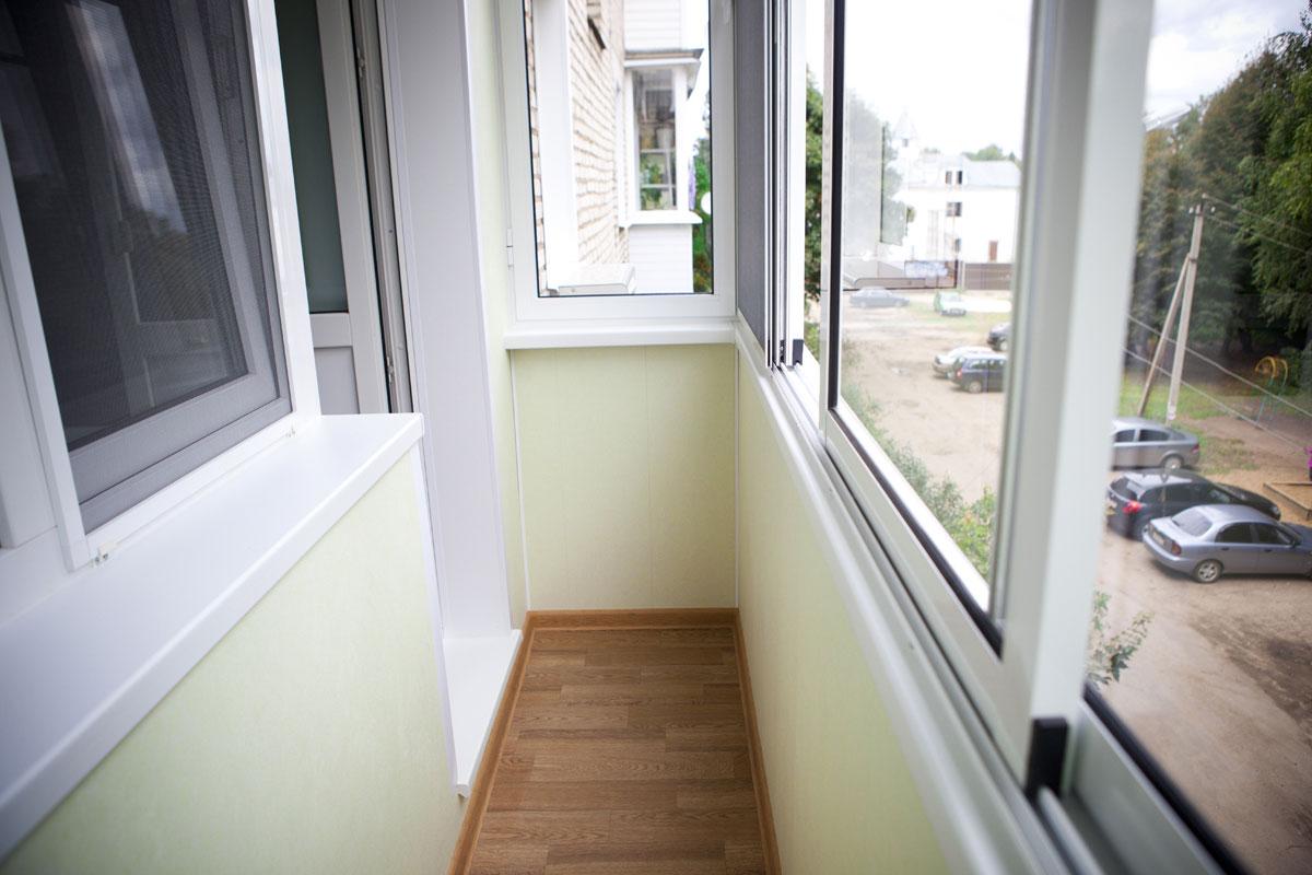 Остекление и отделка балкона в москве дешево застеклить балкон в подольске